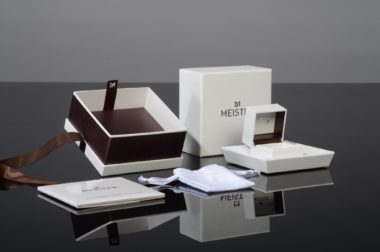 Minimalism Retail Packaging